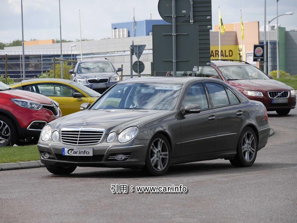 Mercedes Benz Class E W211 Front  O//S  brake pipe